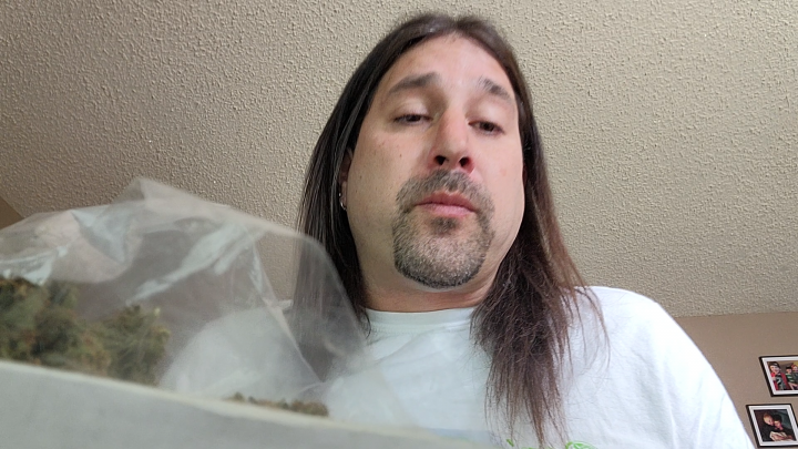 Dan's 420 Chronicles - Sour Cake Weed / Flower Review [Live] in Pueblo 4/16/21