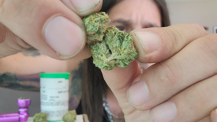 Dan's 420 Chronicles - Scarlett Fire Red Weed / Flower Review [Live] in Pueblo 6/18/21