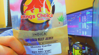 250MG OF iNFUSED BEEF JERKY | FIRST TIME TAKING MORE THAN 30MG!!! Kings Choice Indica Infused Beef