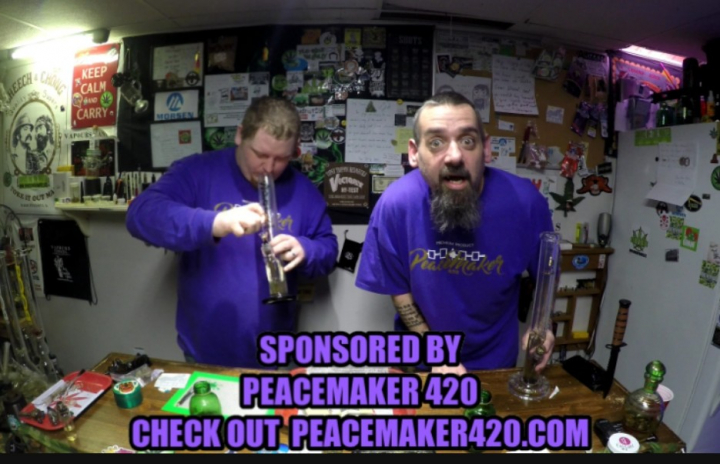 100 DOLAR OUNCE AK47 STRAIN REVIEW SPONSORED AND SUPPLIED BY PEACEMAKER 420