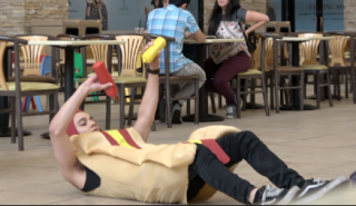 I SQUIRT KETCHUP AND MUSTARD ON MY HOTDOG COSTUME IN MALL FOOD COURT