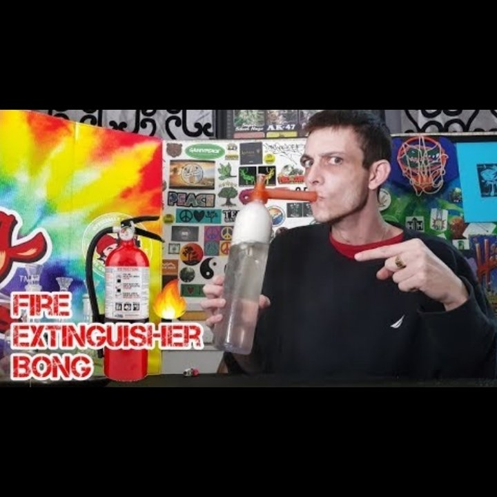 THE FIRE EXTINGUISHER BONG !!!