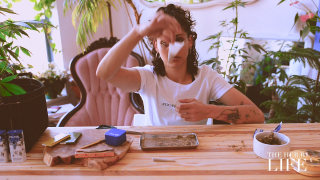 Rolling A Tulip Joint