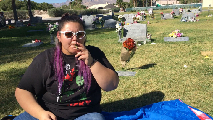 SMOKING AT THE CEMETERY // STORY TIME ✨