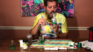 BONG HITS AND DABS COMPILATION (FIRST LEGAL WEED PURCHASE) Getting High AF