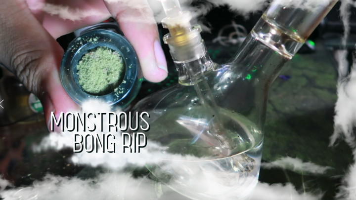 Monstrous Bong rip (Short And Simple)