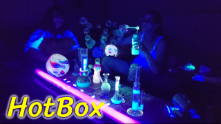 Blacklight HotBox! (with bubbles!)