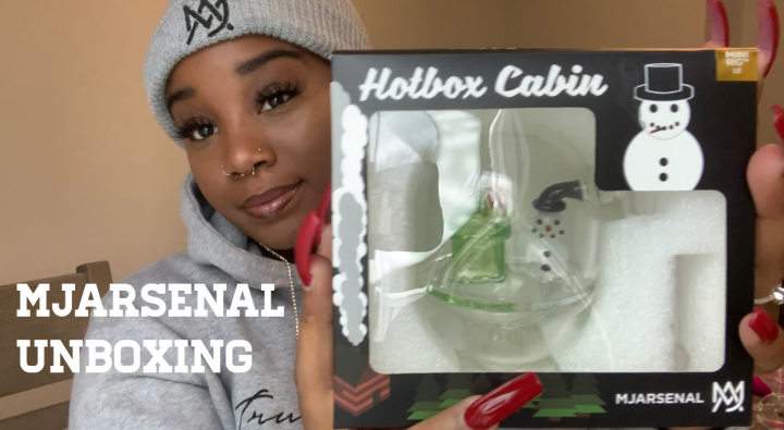 WHO'S READY TO SMOKE WITH ALICIA? MJARSENAL UNBOXING!