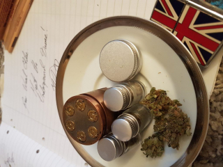 Shall we have an English cuppa????or crumble little buds? ? amazing value $2.69 ebay grinder