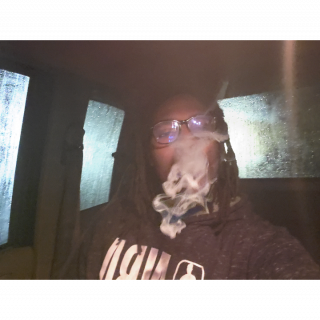 HOTBOXING MY TRUCK IN THE RAIN SESH #3 HAPPY WEEKEND!