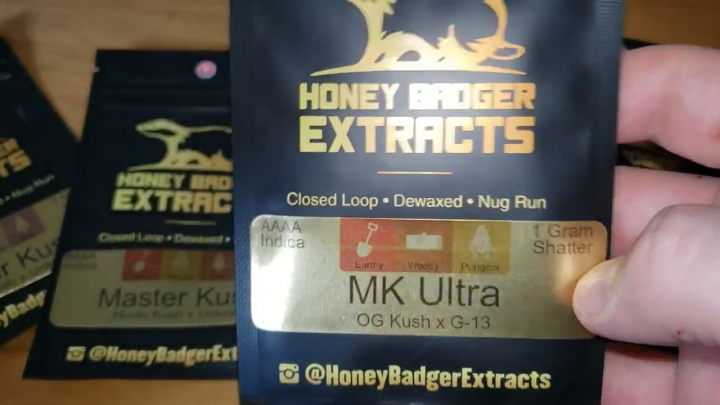 SHATTERSTORE mail order UNBOXING - honey badger extracts!