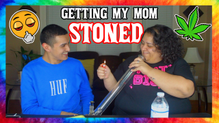 GETTING MY MOM STONED ON CAMERA FOR THE 1ST TIME!