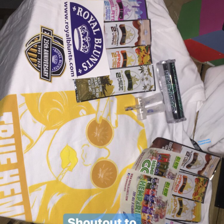 Unboxing featuring Royal Blunts and True Hemp