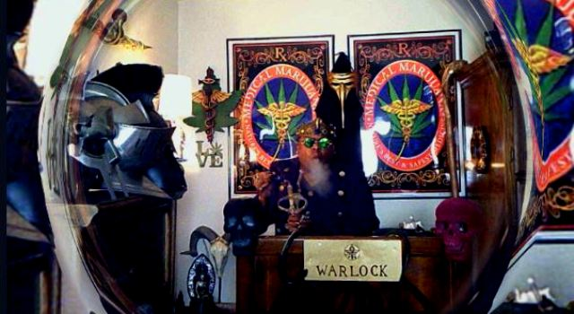 SESHING MEDICALLY WITH THE GOTHIC WARLOCK LORD & HIS BOOK OF SHADOWS (EPISODE #106)