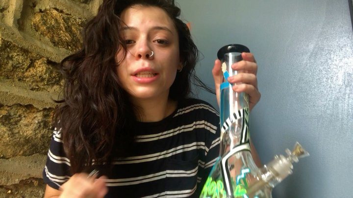 First bong rip in YEARS! - Unboxing Rick & Morty bong
