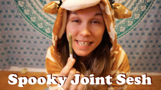 SPOOKY SESH | Rolling a Clear Paper Joint | Halloween Vibes