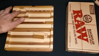 RAW Limited Edition Striped Bamboo Backflip Rolling Tray Review